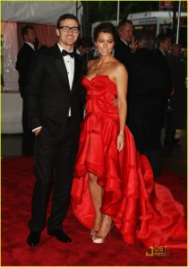 Justin Timberlake in William Rast, Jessica Biel in Versace Atelier